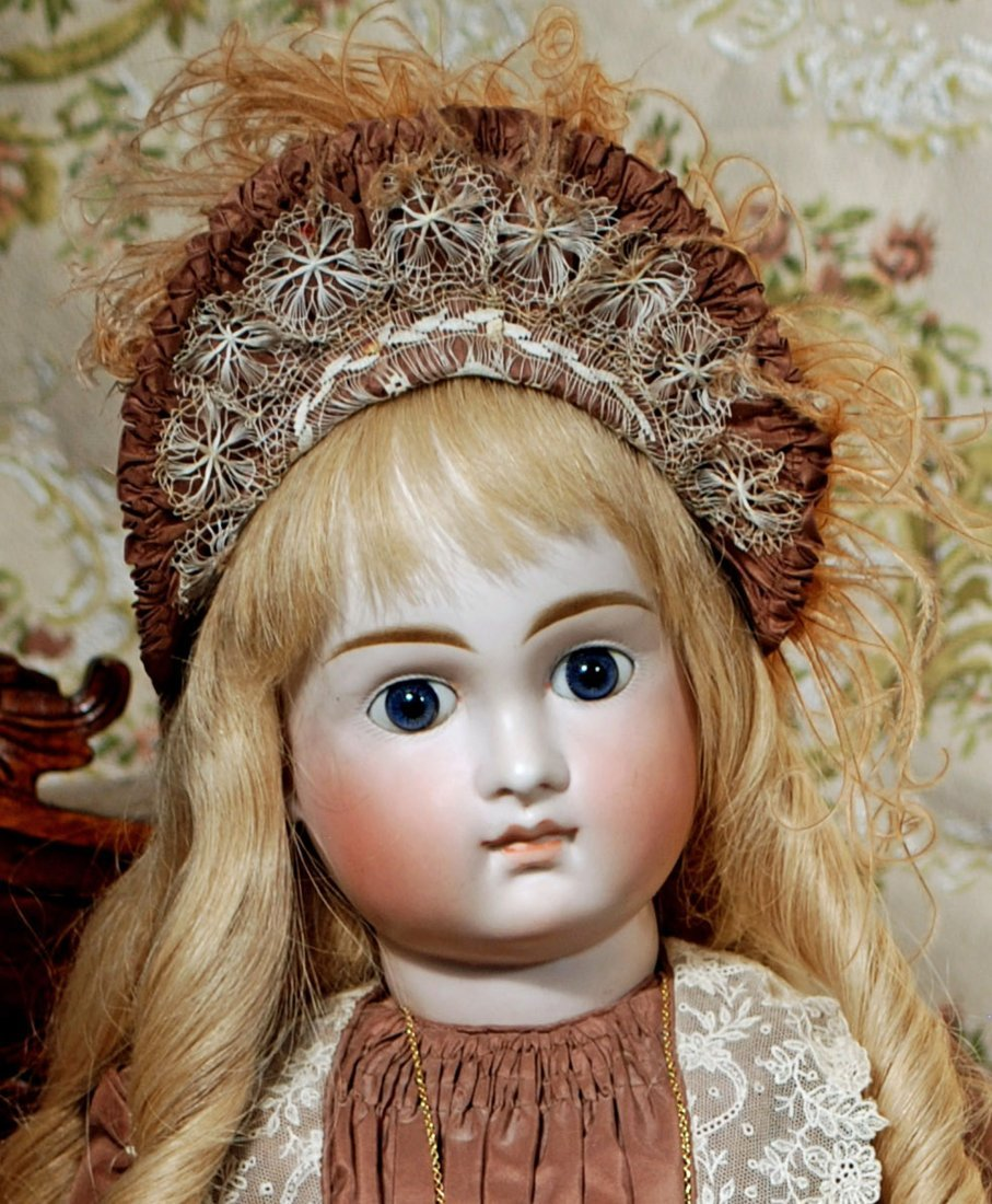 VERY LOVELY, EARLY CLOSED MOUTH DOLL BY KESTNER - 3