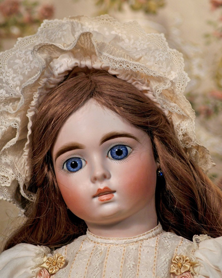 BEAUTIFUL BISQUE DOLL FOR THE FRENCH MARKET - MYSTERY - 2