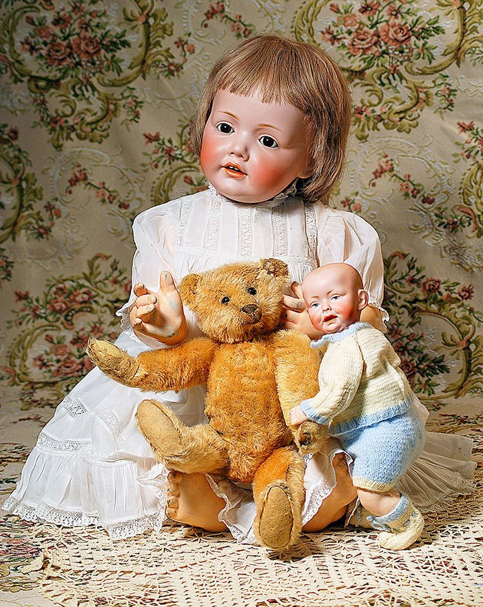 VERY LARGE GERMAN BISQUE HILDA BABY BY KESTNER