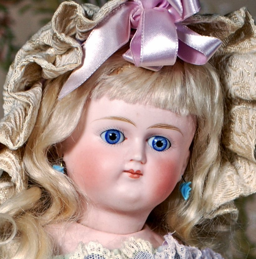 GERMAN BISQUE CLOSED-MOUTH DOLL BY KESTNER - 2