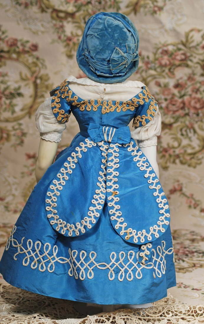 FRENCH PORCELAIN POUPEE WITH BLUE GLASS EYES ATTRIBUTED - 2