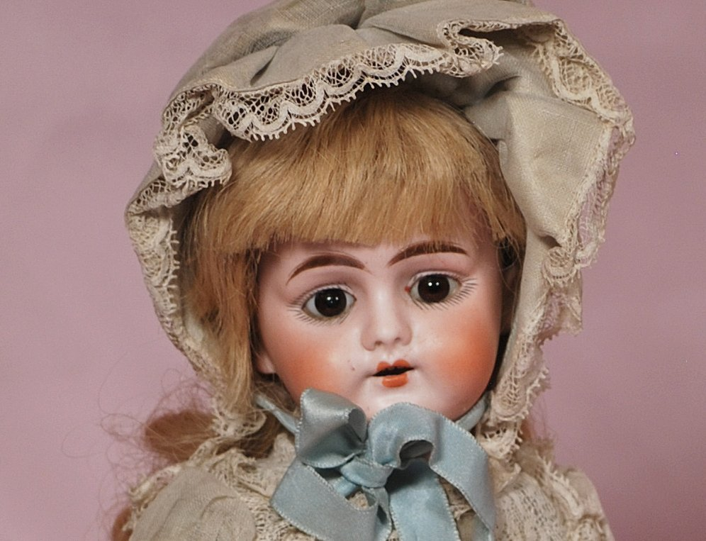 GERMAN BISQUE DOLL BY MYSTERY MAKER - 2