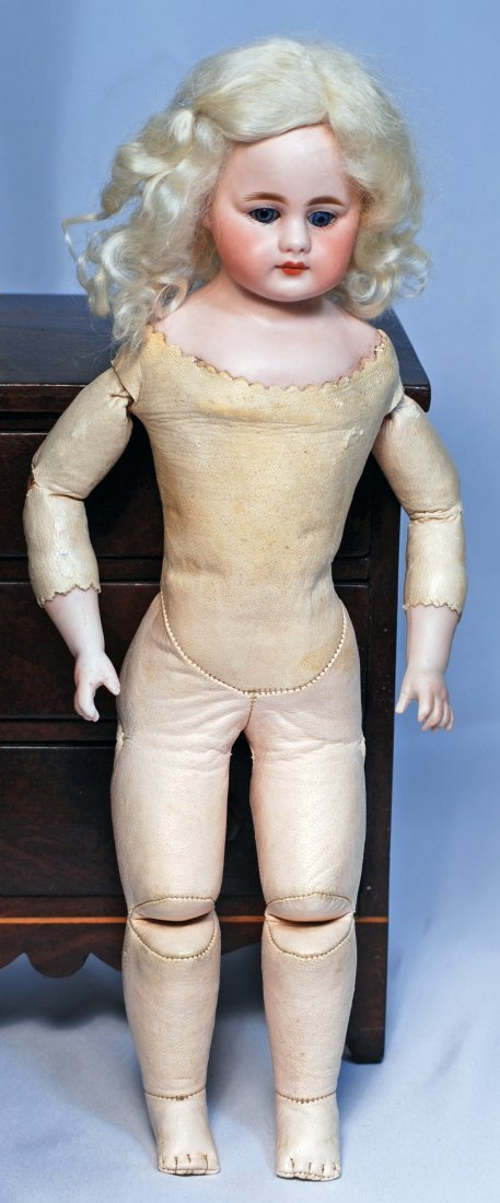 GERMAN BISQUE SIMON & HALBIG, 950 CLOSED-MOUTH DOLL.