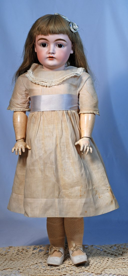 PRETTY GERMAN BISQUE DOLL, MOLD 146, BY KESTNER