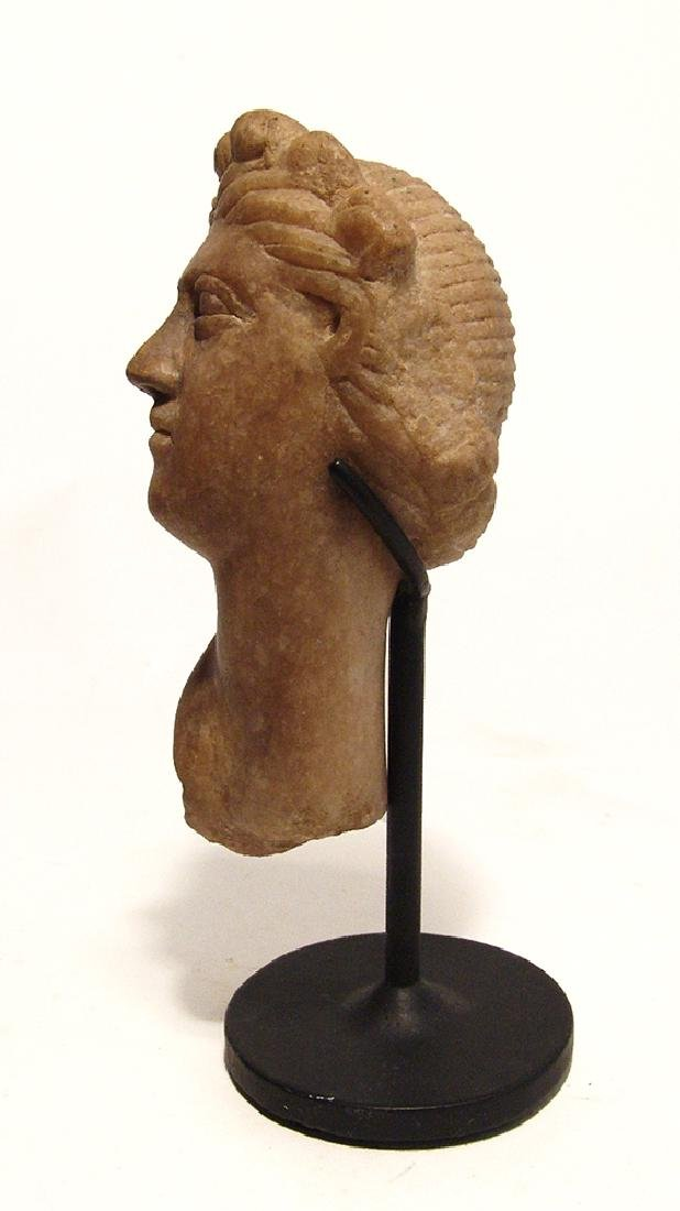 A lovely Roman marble head of Aphrodite - 2