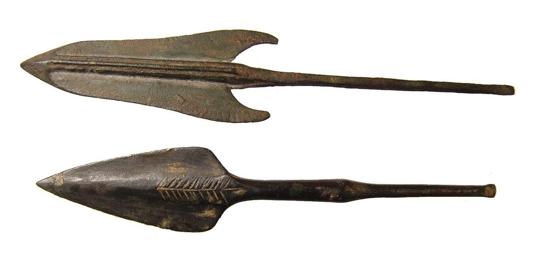 A pair of ancient bronze arrowheads - 2