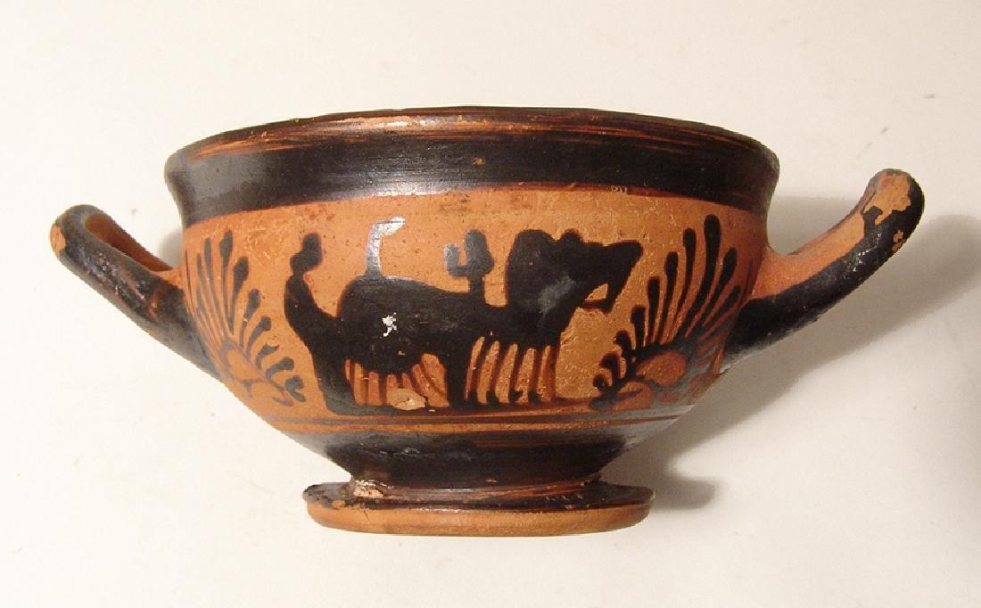 A Greek black-figure footed kylix - 5