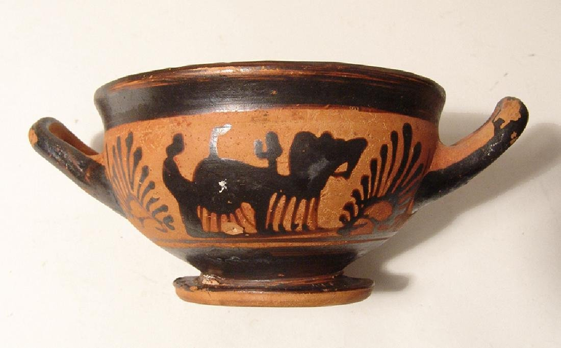 A Greek black-figure footed kylix - 5