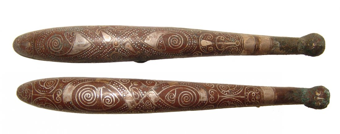 A pair of beautifully silver inlaid bronze belt hooks - 4