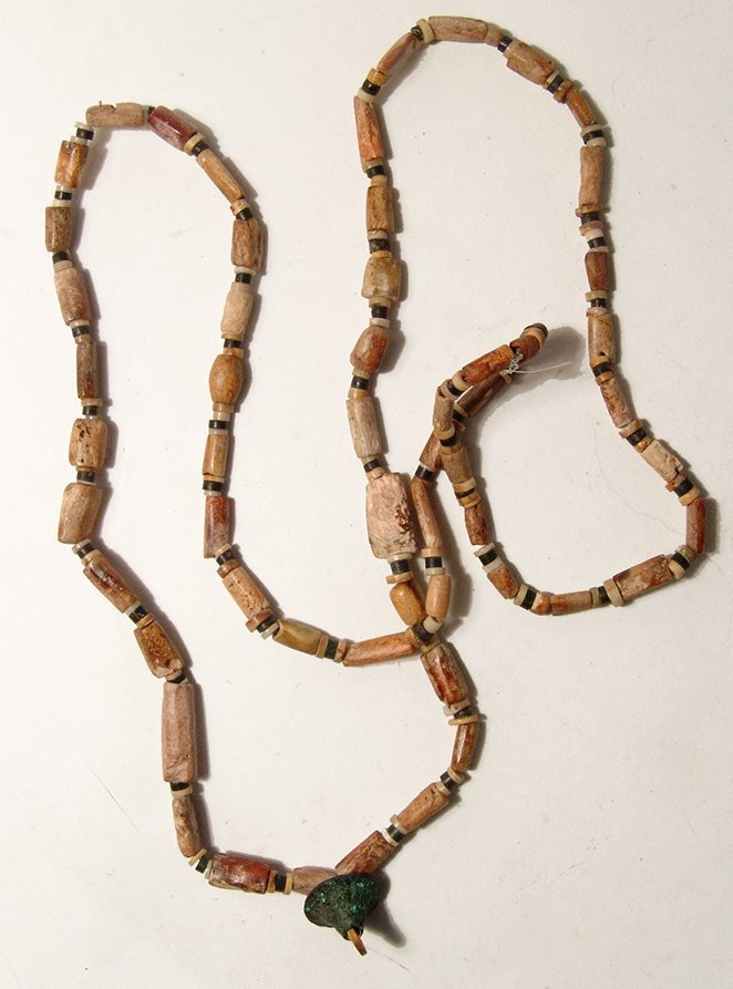 A Chimu shell bead necklace - 2