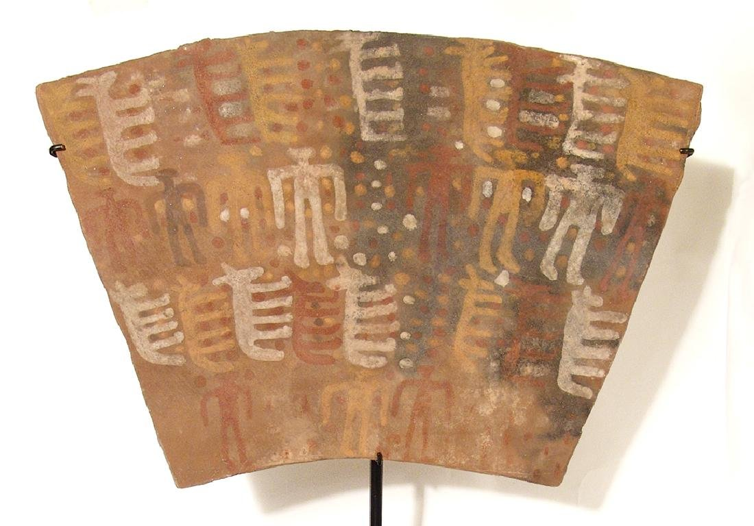 A Chuco ceramic tablet, c. 13th Century - 3