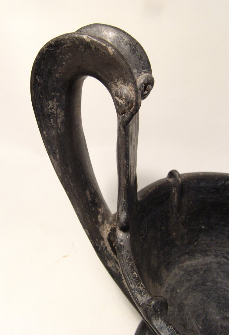 A large and impressive Etruscan bucchero kyathos - 6