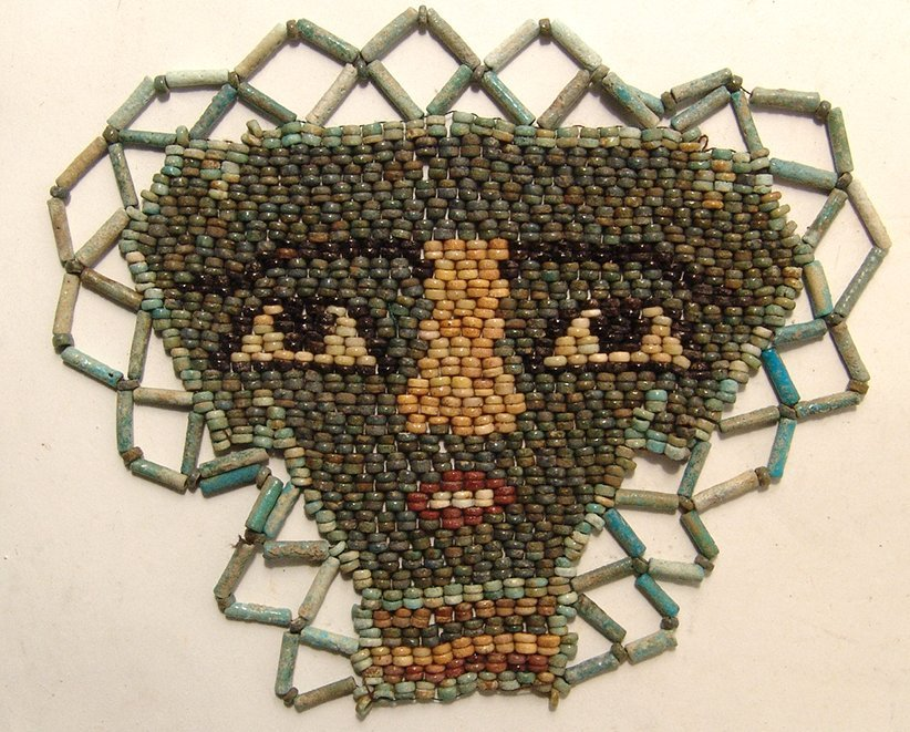 Beautiful Egyptian faience beads shaping a face 'mask - 2