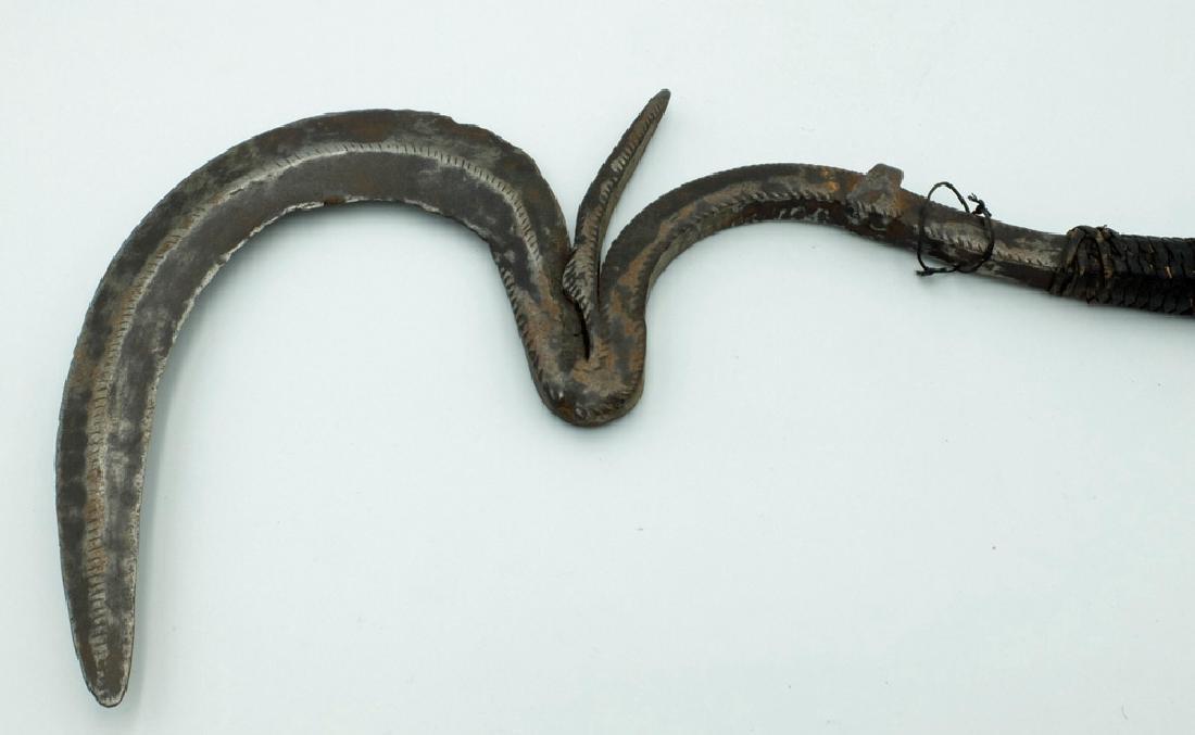 Iron currency throwing knife, Matakam people - 4