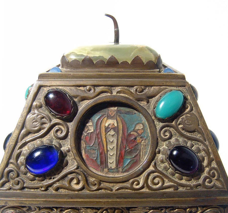 Wonderfully ornamented 19th C. bronze box, French - 5
