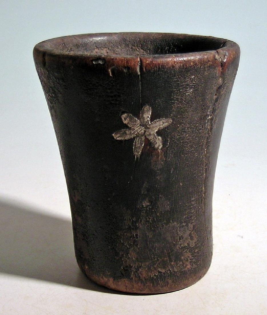 A lovely silver inlaid Inca kero - 3