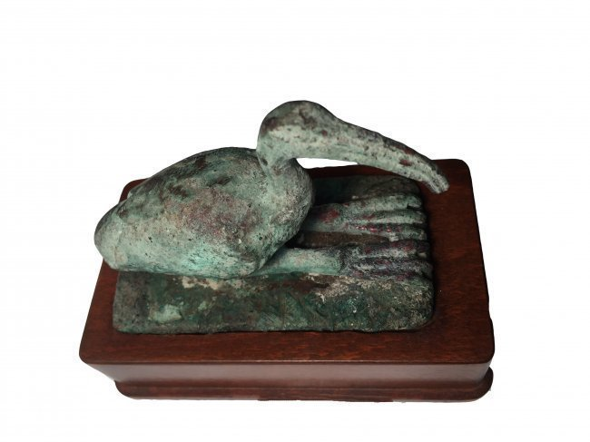 An attractive seated bronze Ibis statuette - 2