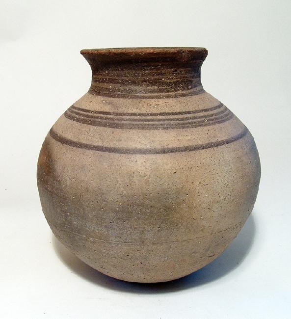 A Northern Mesopotamian globular vessel