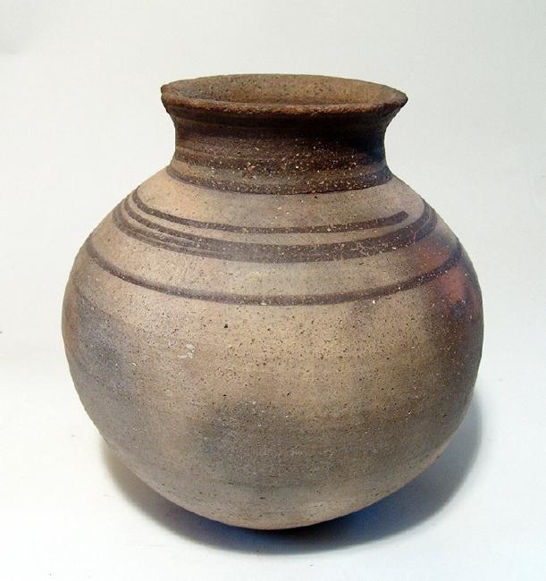 A Northern Mesopotamian globular vessel - 2