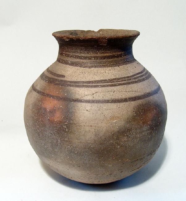 A Northern Mesopotamian globular vessel - 3