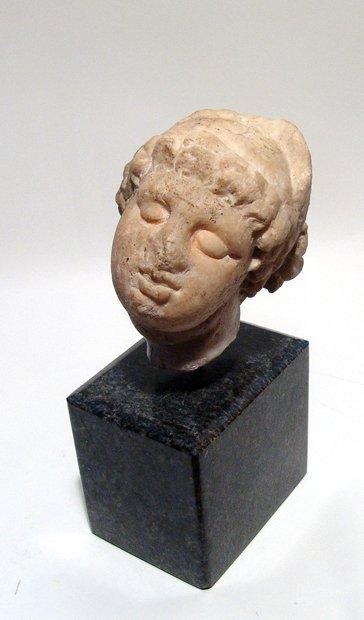 A beautiful Roman marble head of an enraptured Venus - 2