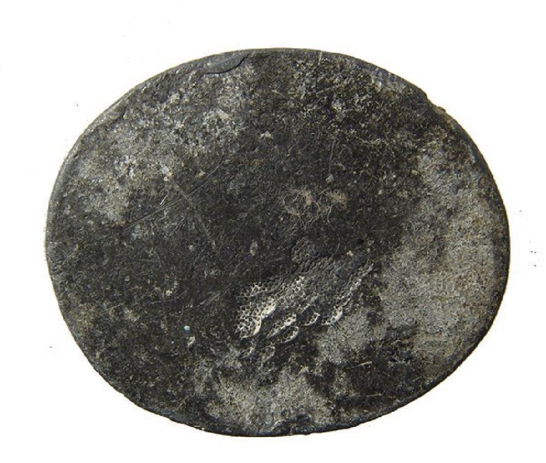 Rare Roman lead seal depicting a detailed cherubic - 2