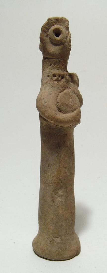 A Near Eastern terracotta Astarte figurine - 2
