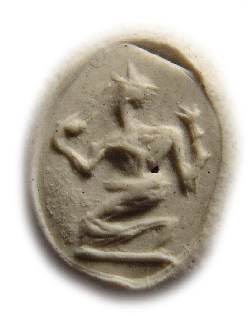 A Roman jasper ring stone depicting a kneeling satyr - 2