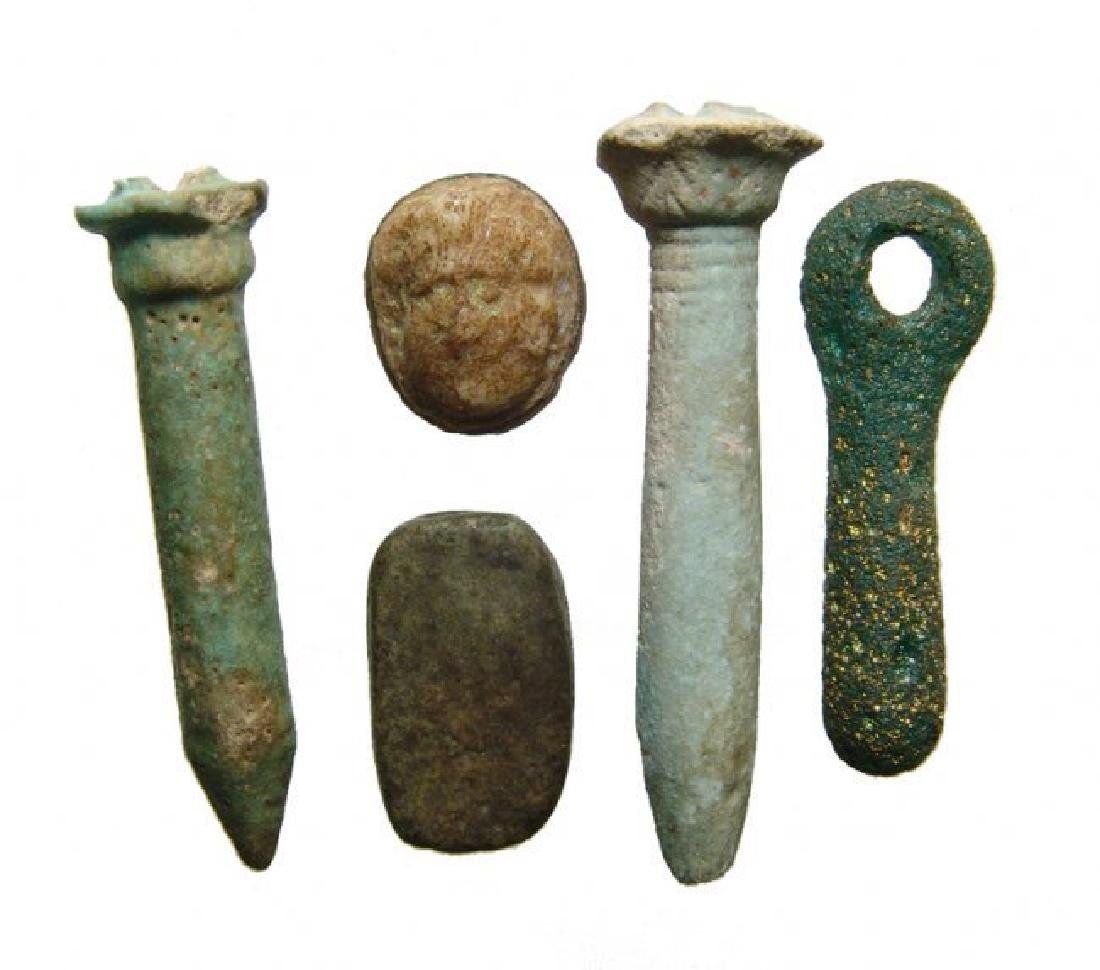 A group of 5 Roman-Egyptian objects