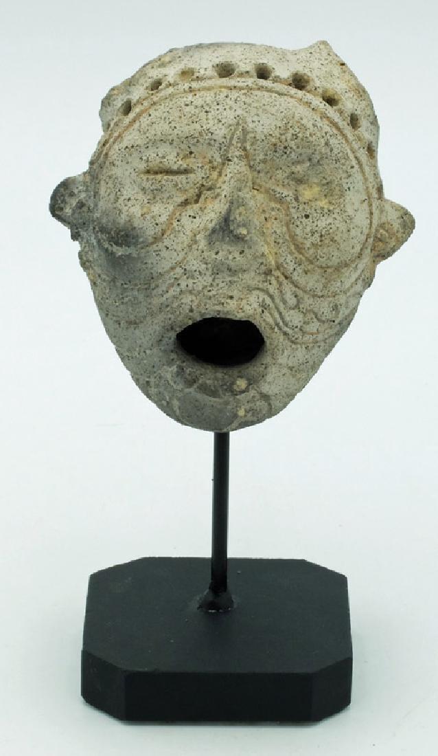 Rare realistic representation of a La Tolita tsantsa