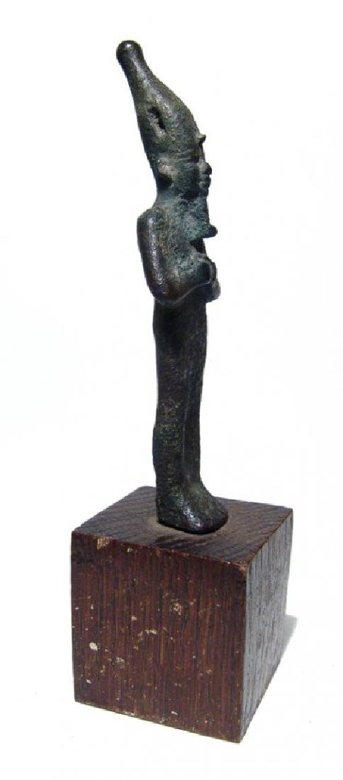 A very nice Egyptian bronze standing figure of Osiris - 2