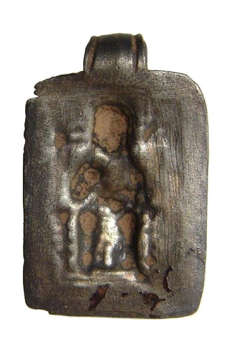 A Roman silver pendant depicting a mother goddess - 3