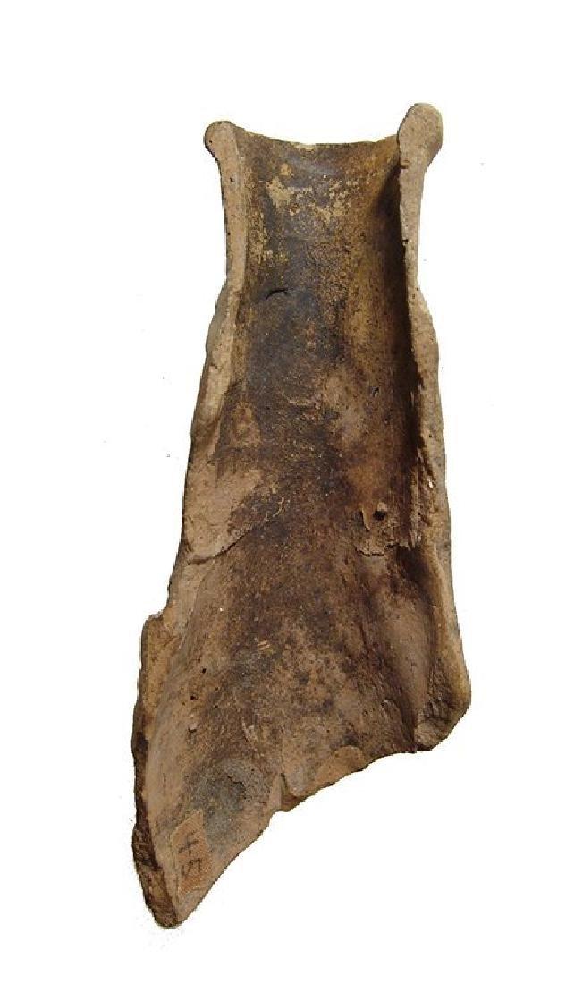 Roman terracotta vessel fragment depicting a battle - 4