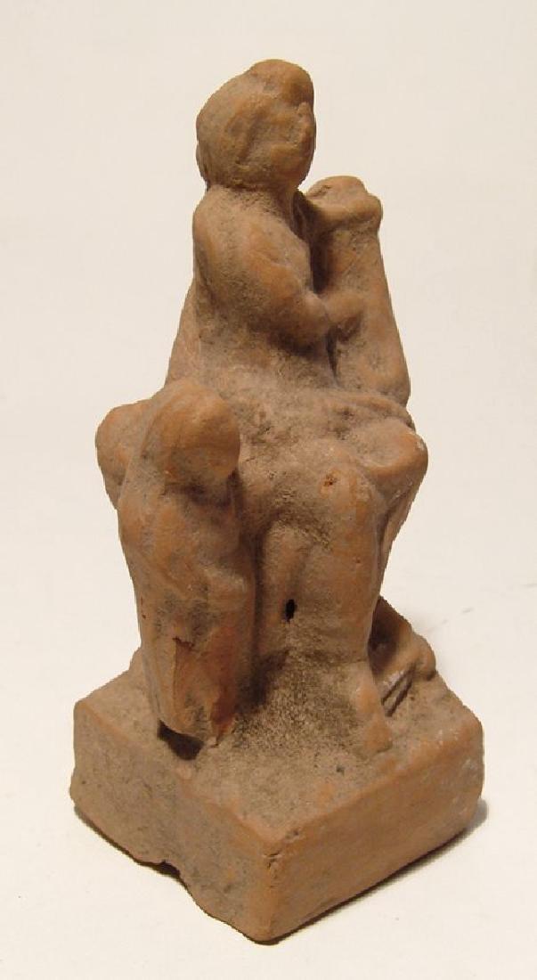 Greek terracotta figurine depicting a seated musician - 2