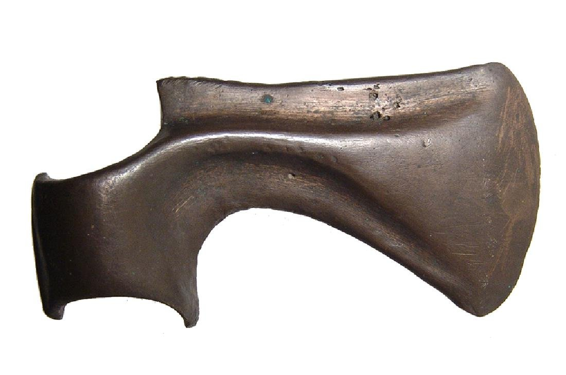 A handsome Near Eastern bronze axe head - 2