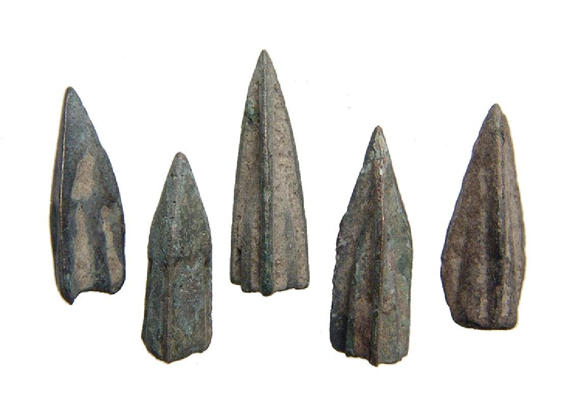 A group of 5 Roman Republic small bronze arrowheads - 2