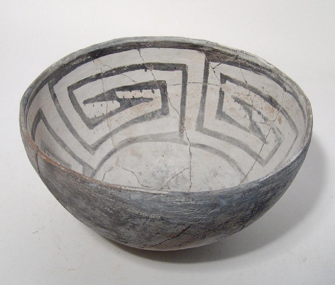 A lovely Mesa Verde black on white bowl - 2
