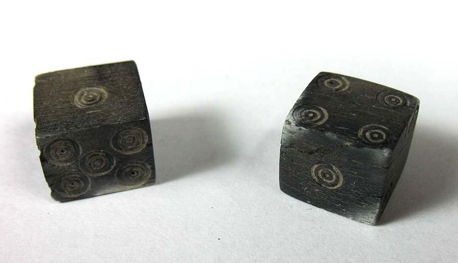 A pair of Roman bone gaming dice
