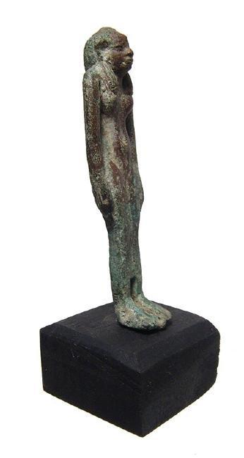 An Egyptian bronze figure of a goddess, perhaps Hathor - 2