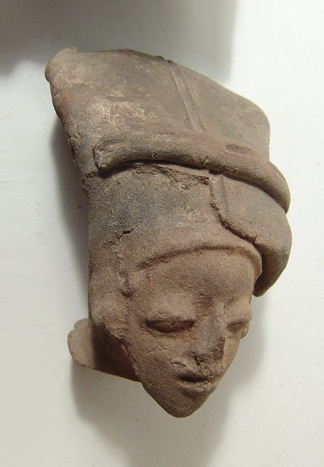 5 Jamacoaque and La Tolita-Tumaco large ceramic heads - 4