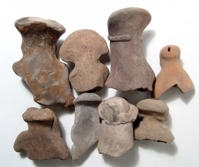 A group of 8 Ecuadoran ceramic heads - 2