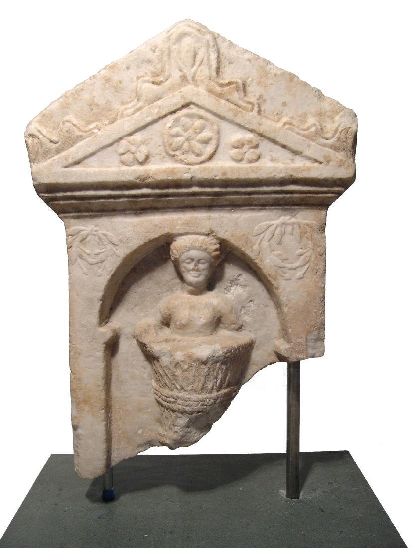 A fantastic Roman marble funerary stela - 2