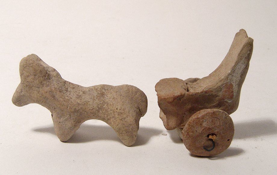 A cute Near Eastern terracotta horse with chariot