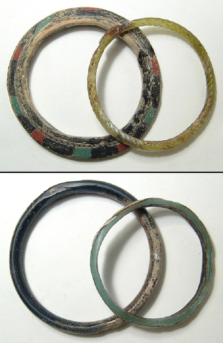 A lot of 4 Roman glass bracelets