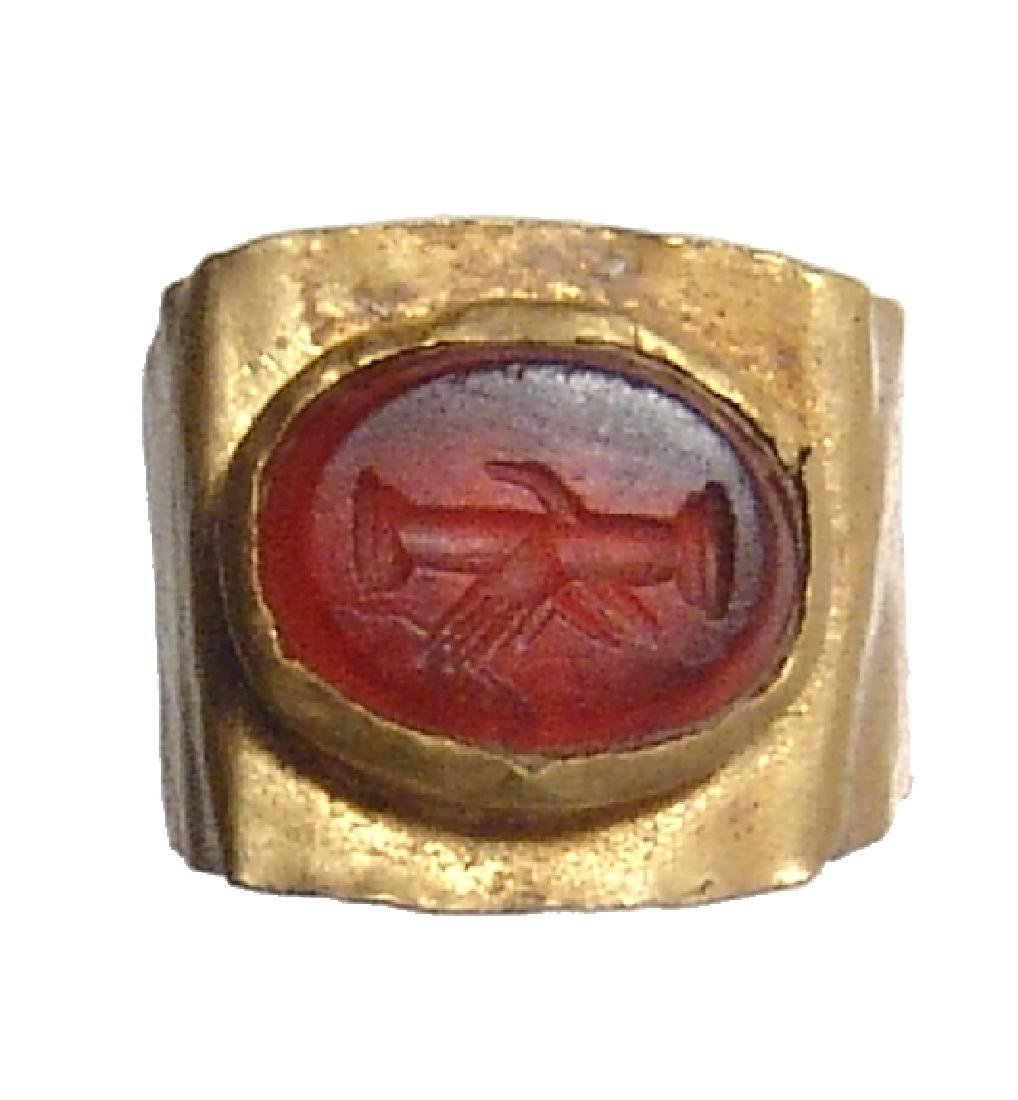 Roman gold ring with a carnelian ring stone