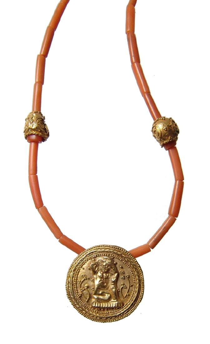 Necklace with Egyptian coral beads and Roman gold