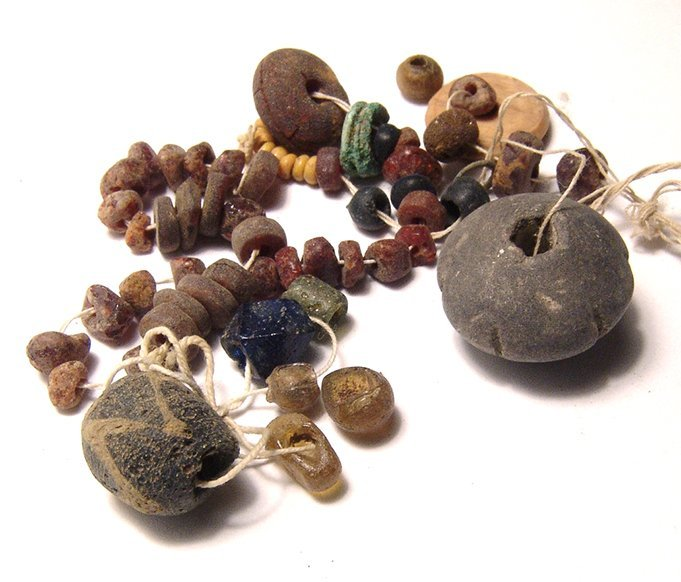 A rare strand of Roman amber beads - 2