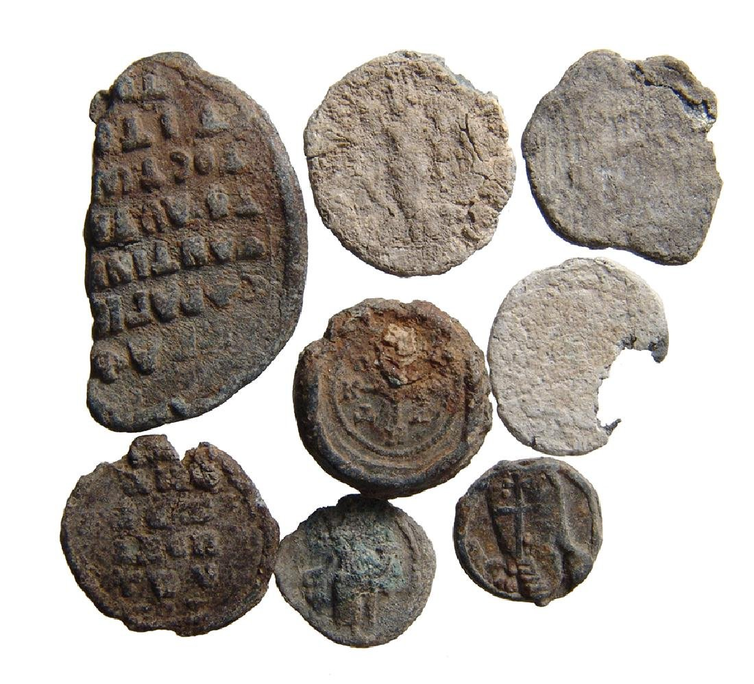 8 Roman and Byzantine lead seals and tokens