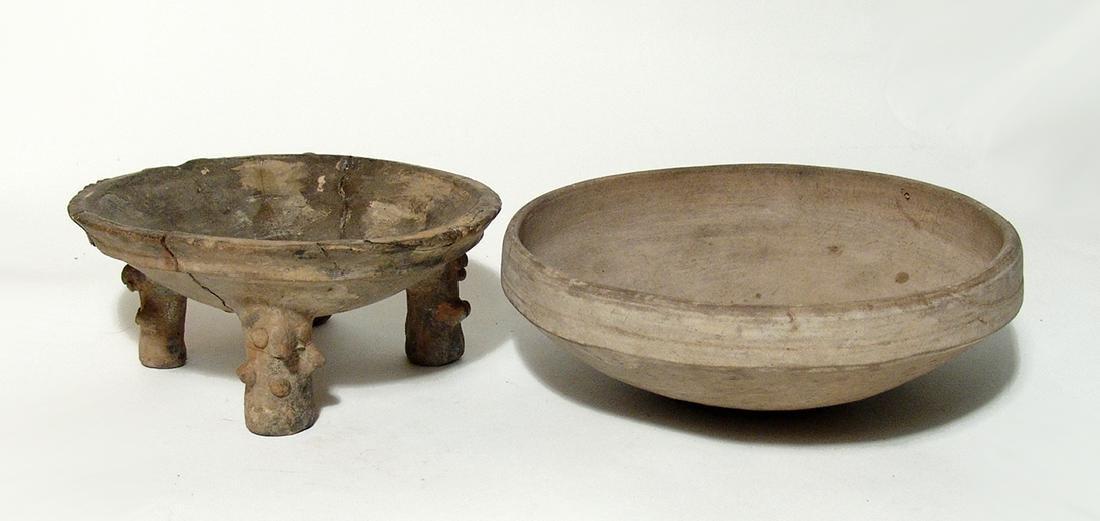 A pair of Pre-Columbian ceramics vessels