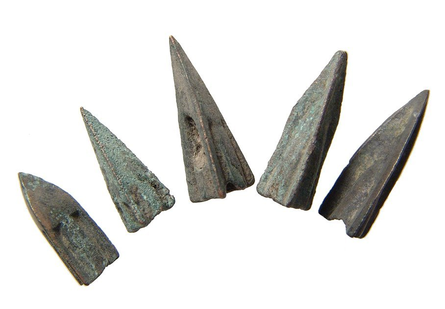 A group of 10 Roman Republic bronze arrowheads